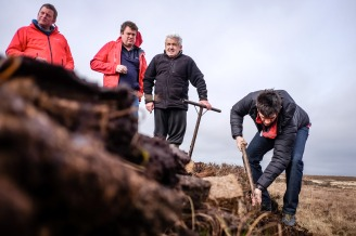 cutting peat